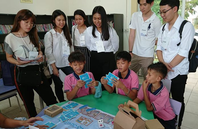 Sixty Thai and Singaporean law students studied efforts of the Human Help Network Thailand to protect children.