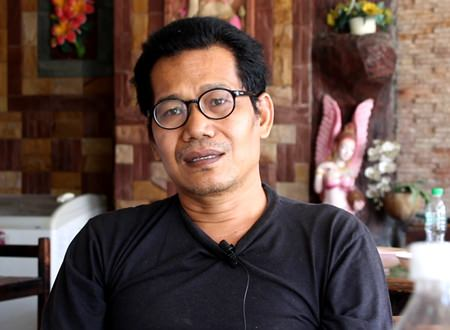 Sujit Kongsa-ard, owner of the Sampan Boat Noodles eatery, told reporters that business was really bad during the never-ending construction period.