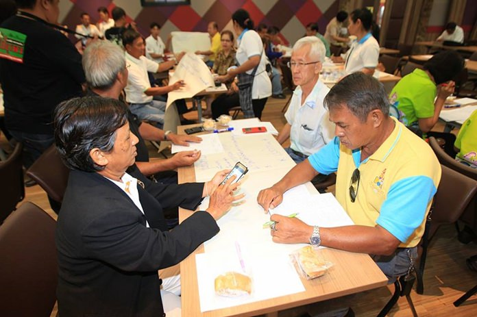 Pattaya officials and community leaders put their heads together to begin crafting individual development plans for each of the city's 42 neighborhoods.