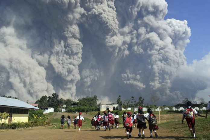 Mount Sinabung Volcano Erupts in Indonesia, Aviation Warning Raised