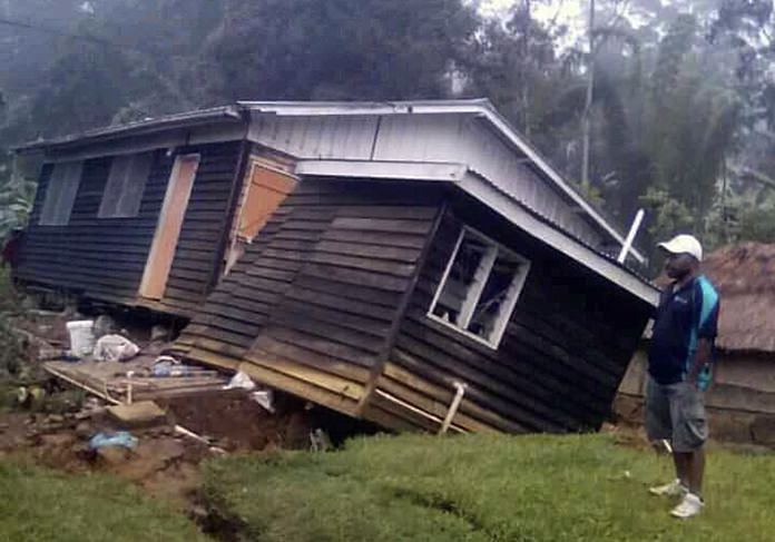 People in quake-hit PNG living in fear