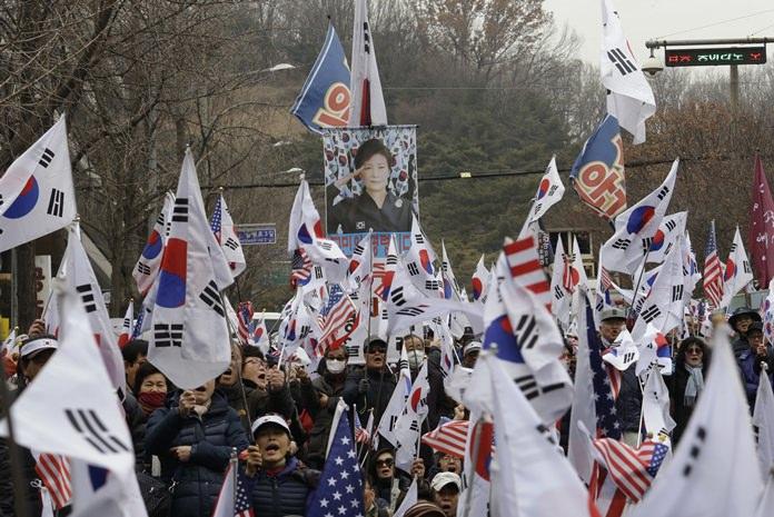 Prosecutors seek 30 years' jail for ousted South Korean president