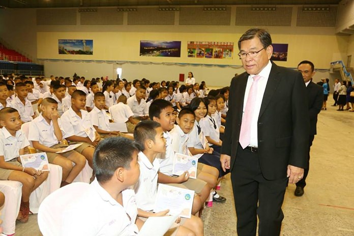 "Nearly 1,500 Pattaya students now know to ""just say no"" to drugs after completing their 13-week Drug Abuse Resistance Education course."