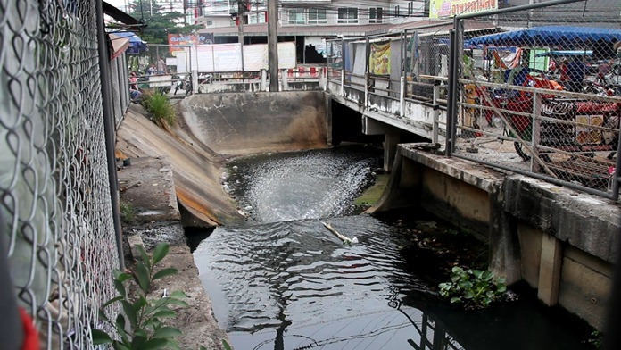 Residents say the once 'pristine' canal has become polluted and smelly behind Raiwanasin Market.