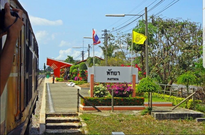 Package tours offered as part of a new weekend train service from Bangkok to the Eastern Seaboard will cost 300-1,200 baht each, but what's included for that price remains to be seen.