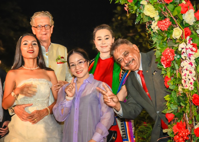 Noi and Jo welcome Suthasinee Maneekul, Mae Mahaphaisan and Peter Malhotra to the evening festivities.