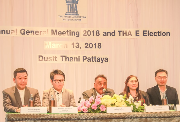 The panel of judges (l-r) Auttaphon Thaveesuntorn, Rattanachai Sutidechanai, Pratheep S. Malhotra, Ornwara Korapin and Wasan Temsiripong.