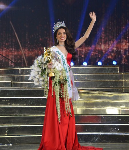 Nguyen Huong Giang is filled with emotion after being crowned Miss International Queen 2018.