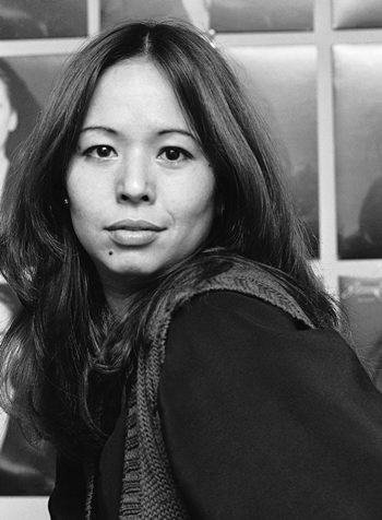 Yvonne Elliman poses in Los Angeles in this March 20, 1978 file photo. (AP Photo)