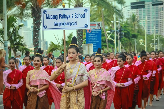 Pattaya School 9 look stunning dressed in bright red and pink.