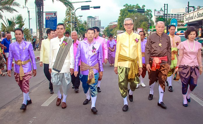 The parade started at the Central Pattaya intersection and carried on to Central Festival Pattaya Beach.