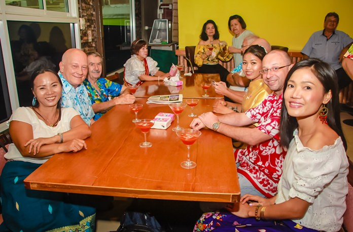 Members of the Rotary Club Eastern Seaboard and the Rotary Club of Plutaluang enjoying the party.