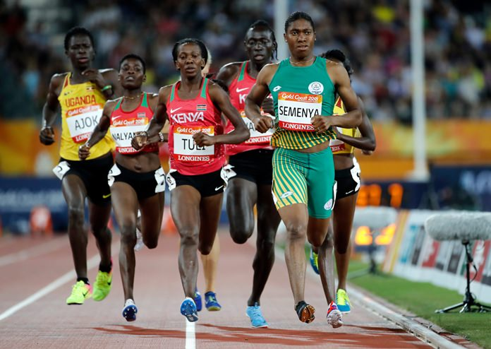 Caster cruises into 800m final