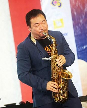 Thailand's premier saxophonist Koh Mr. Saxman. (Photo/TAT)