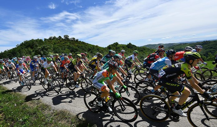 The pack of riders pedals during the 10th stage of the Giro d'Italia cycling race, from Penne to Gualdo Tadino d'Italia, Italy, Tuesday, May 15. (Daniel Dal Zennaro/ANSA via AP)
