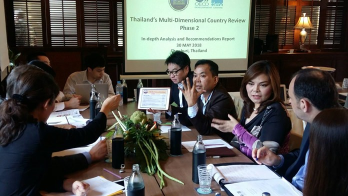 Officials from the Office of the National Economic and Social Development Board (ONESDB) told local officials and tourism entrepreneurs to make sure they grasp and use Thailand 4.0 standards as a guideline for future development.