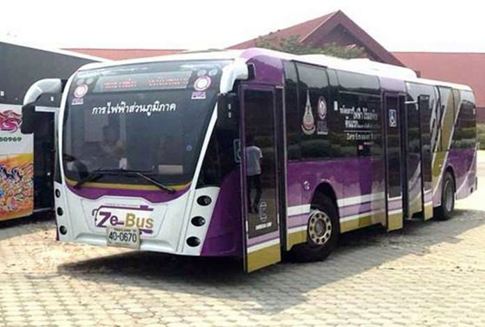 Thammasat University researchers tested electric trolley buses in Pattaya as part of the city's flirtation with a new mass-transit system. Funded by the National Science and Technology Development Agency, the test was designed to collect capacity, route planning and economic benefit data.