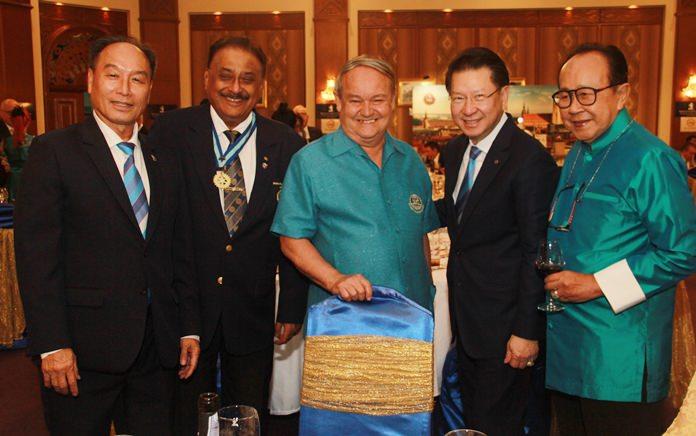 The heavyweights of Rotary (l-r) DGE Surapol Thaweesangsakulthai, PDG Peter Malhotra, PDG Premprecha Dibbayawan, PDG Vivat Pipatchaisiri and PDG Xanxai Visitkul.