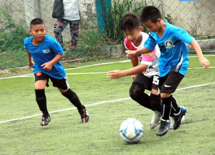 The football on show was of a high standard throughout.