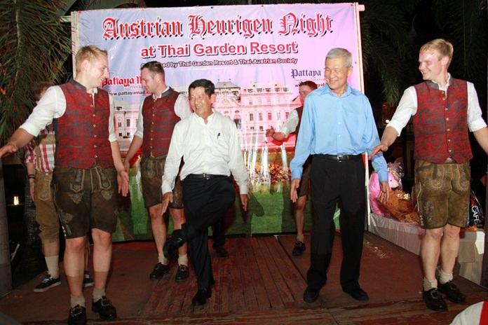 Mayor Anan Charoenchasri and Deputy Mayor Apichart Virapal performed the 'Schuhplattler' dance to perfection.