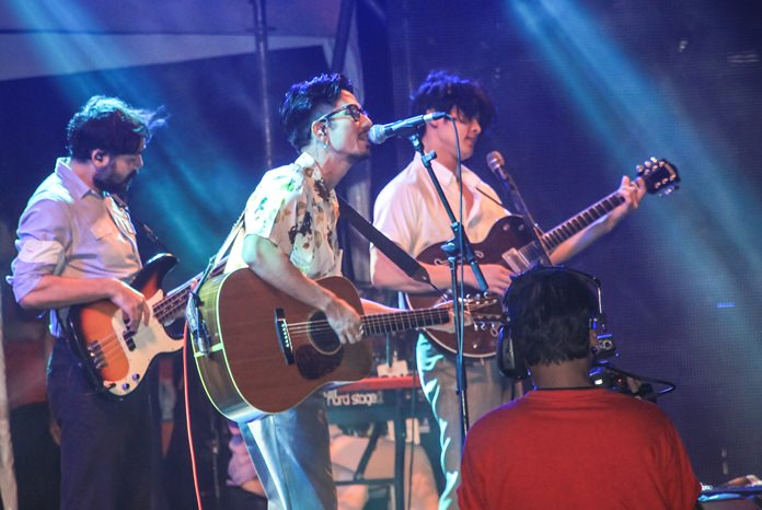 The 25 Hour band rocked the crowd with some of their major hits including 'Tam Dai Piang' and 'Mod Wayla'.