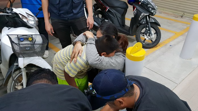 Wipaporn Phorung was taken from her crying toddler in handcuffs after being caught selling crystal methamphetamines in Huay Yai.