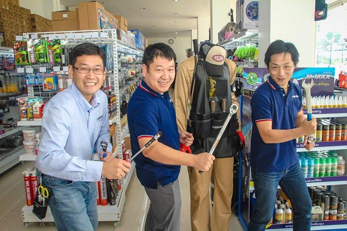(L to R) Board member Ken Sasaki, Managing Director Shinya Nakazawa, and General Manager Junya Noguchi celebrate the opening of Astro Products first branch in Pattaya.