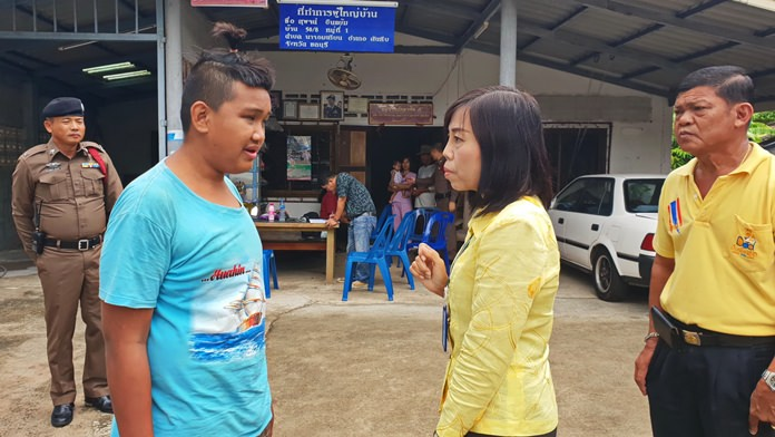 Najomtien residents came to the aid of this blind teenager struggling to survive on his own.