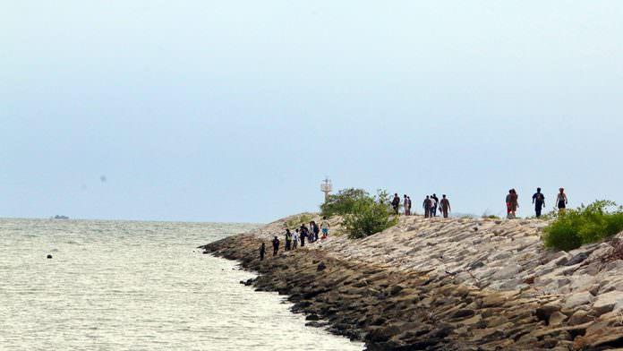 Kurwan Sanitrach's body was found on the breakwater at Ban Amphur Beach.