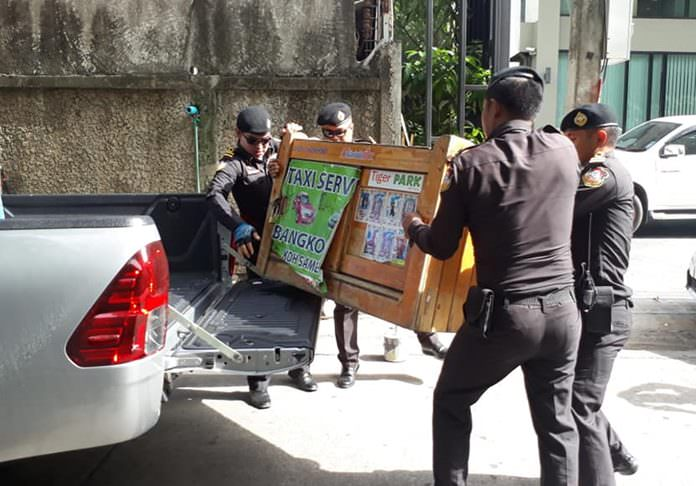 Pattaya-area officials and police began cracking down on illegal taxis, kicking their booking agents off public sidewalks.