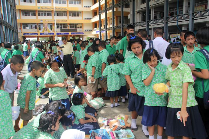 Nernplabwan students and teachers got a chance to earn some extra cash and learn about commerce and marketing at their secondhand market.