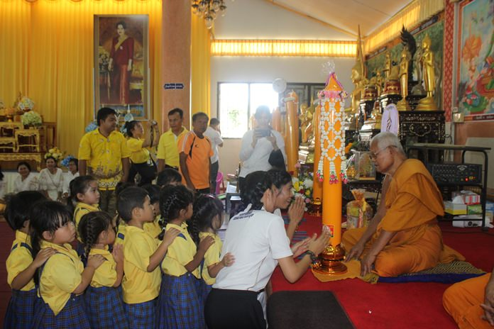 The event was meant to teach youngsters about Thailand's Buddhist and cultural traditions.