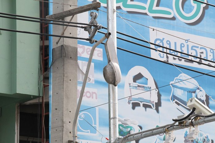 The post between Soi Khopai and Soi Bongkot has been hanging by a thread for a month.