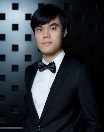 Virtuoso pianist Gun Chaikittiwatana.