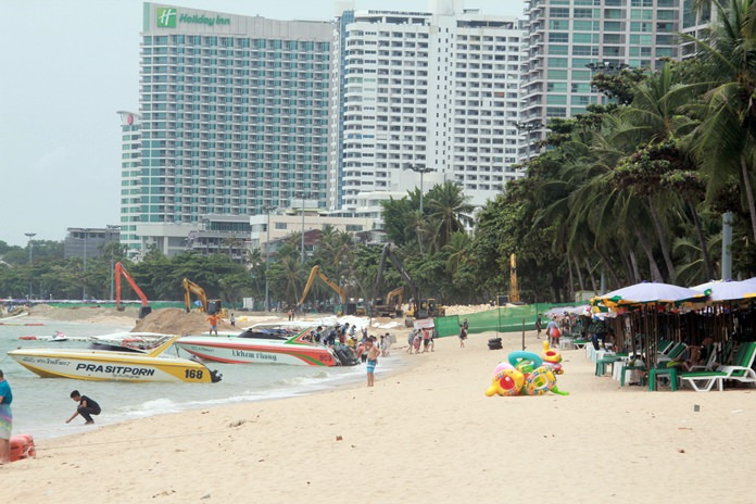 Hundreds of meters of Pattaya's 2.8-kilometer shoreline have been completed.