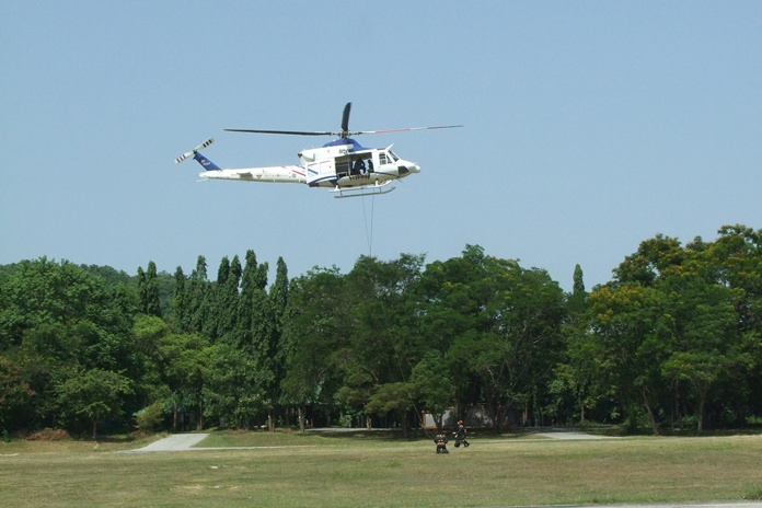 Chonburi agencies and the army joined forces to practice emergency response to a plane crash in the ocean.