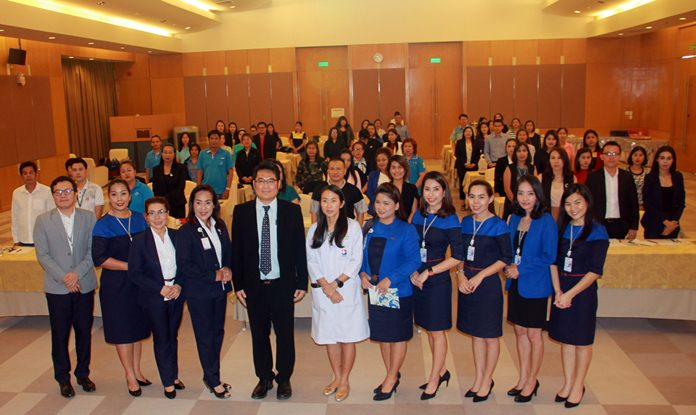 Bangkok Hospital Pattaya educated Pattaya women about the risks of cervical cancer from the human papillomavirus. Hospital Assistant Director Dr. Surachai Kampakdee (center, wearing glasses) opened the Aug. 23 seminar with Dr. Sasiratch Pattamadilok (center, wearing white coat), director of BHP's Women's Health Center, leading the discussion.
