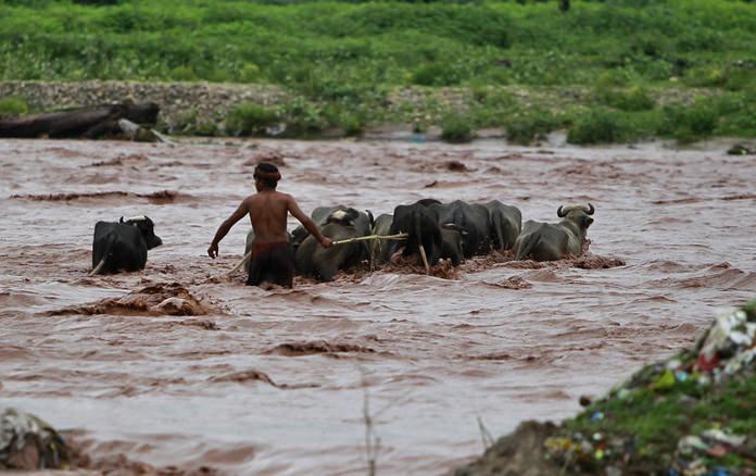 Monsoon rains kill 67 in southern India