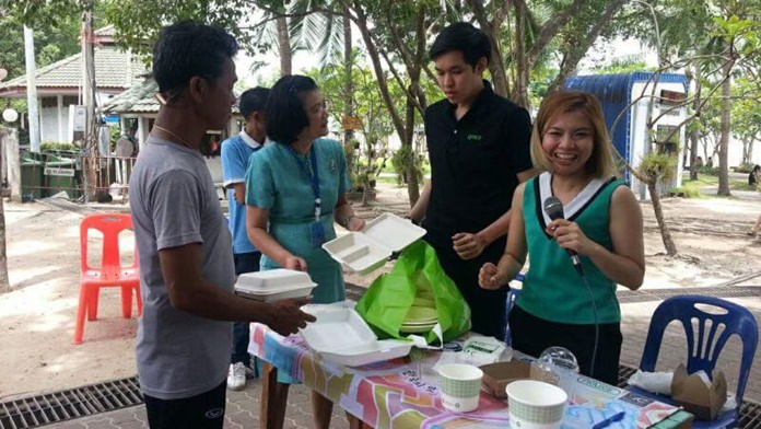 """Pattaya City Hall is taking its """"no plastic, no foam"""" campaign on the road, promoting the use of bags and boxes made of biodegradable materials instead of foam."""