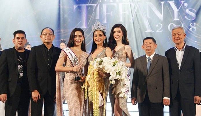 """Rajabhat University student Kanwara """"Esmon"""" Kaewcheen was crowned Miss Tiffany Universe."""