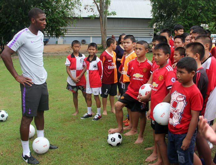 Anton advises the children.