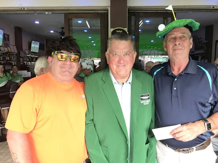 Bangpakong winner Dave Arataki (C) with Ralph McConnell (L) and Paul Chesney (R).