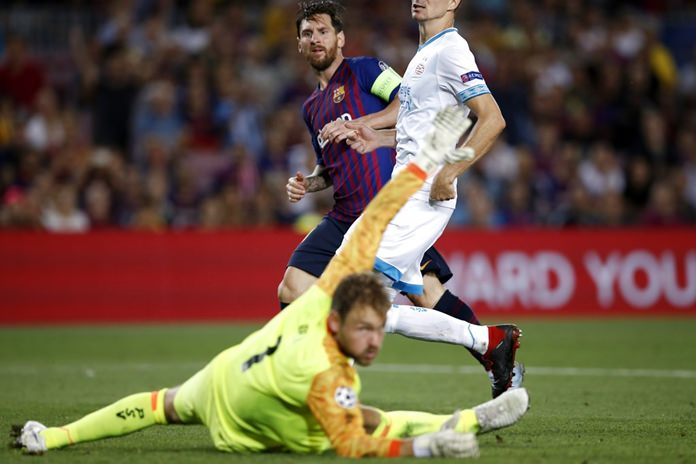 Lionel Messi makes more history with stunning free kick