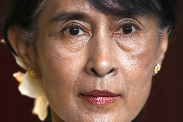 Aung San Suu Kyi becomes first person stripped of honorary Canadian citizenship