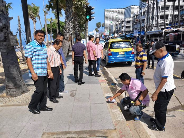 Having already demolished parts of the Pattaya Beach footpath to let floodwaters through, Pattaya officials are now doing the same in Jomtien Beach.