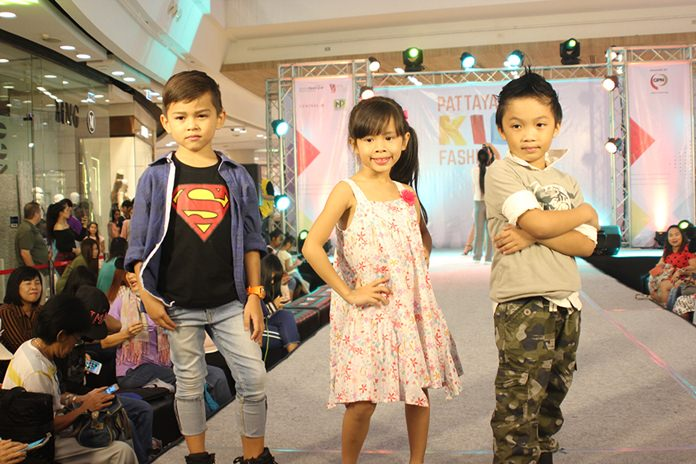 The movie stars and models of tomorrow took the spotlight on stage at Central Festival Pattaya Beach.