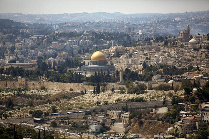 The Dome of the Rock Mosque in the Al Aqsa Mosque compound is seen in Jerusalem's old city in this Sept. 9, 2013 file photo. (APPhoto/Sebastian Scheiner)