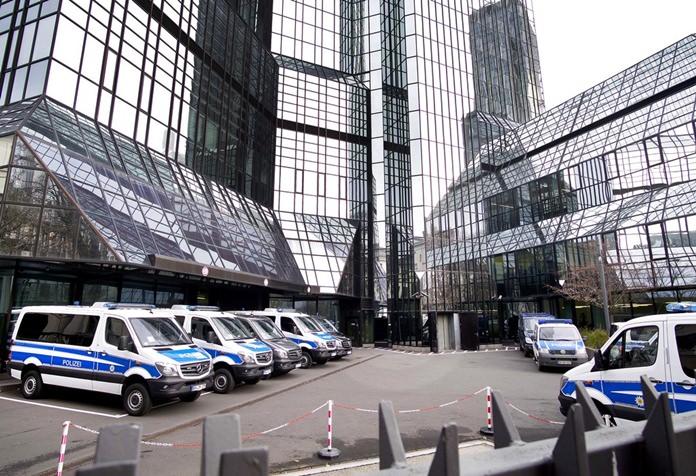 Deutsche Bank raided over Panama Papers link