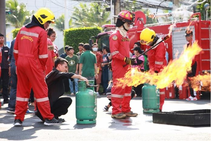 The Fire Services Department conducted live fire training at the Thai Garden Resort.