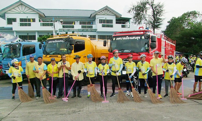 Some cyclists took part in a cleanup of their neighborhood.